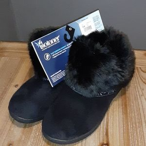 NWT Isotoner slippers
